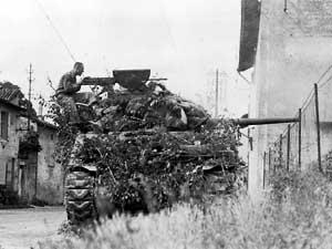 "La 4th Armoured Division ""Breakthrought"" Dv4us_2"