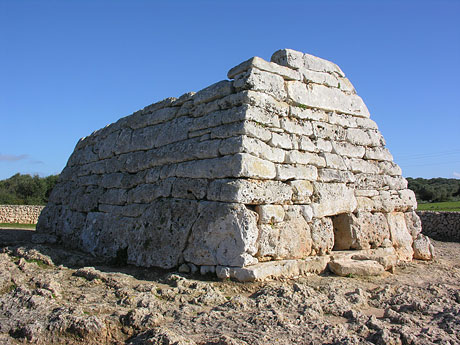 Naveta d'Es Tudons ~ Built By Giants Found In Menorca? Naveta-des-tudons