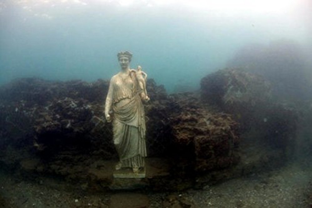 Time Capsule: Sunken Ancient Roman City Of Baiae With All Its Streets Imperial Villas And Statues Baiae13