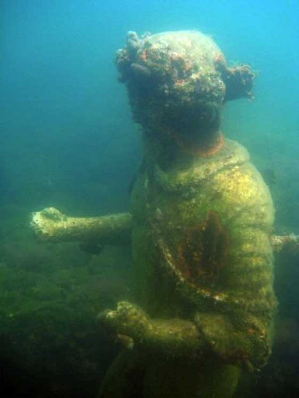 Time Capsule: Sunken Ancient Roman City Of Baiae With All Its Streets Imperial Villas And Statues Baiae15