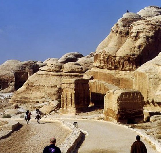Unclear Purpose Of Mysterious Rock-Cut City Of Petra - Was It A Fortress Or Sacred City? Petrajordan4
