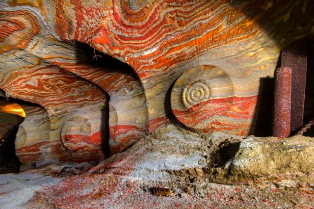 Spectacular Multi-Color Psychedelic Salt Caves - An Astonishing Natural Masterpiece Saltcaves7