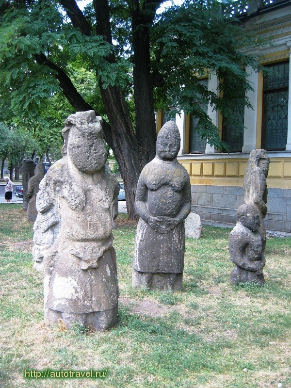 "Striking Ancient ""Stone Idols"" - The Forgotten Polovtsian Statues Of Eastern Europe Statueseaseurope2"