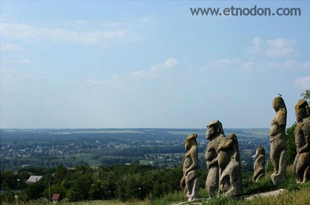 "Striking Ancient ""Stone Idols"" - The Forgotten Polovtsian Statues Of Eastern Europe Statueseaseurope5"