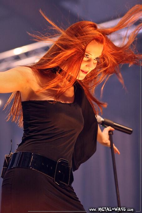 Simone's pics - Page 10 Epica-metal-female-voices-05
