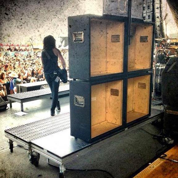 Guns N' Roses VS Motley Crue - Página 10 Black-Veil-Brides-fake-cabs