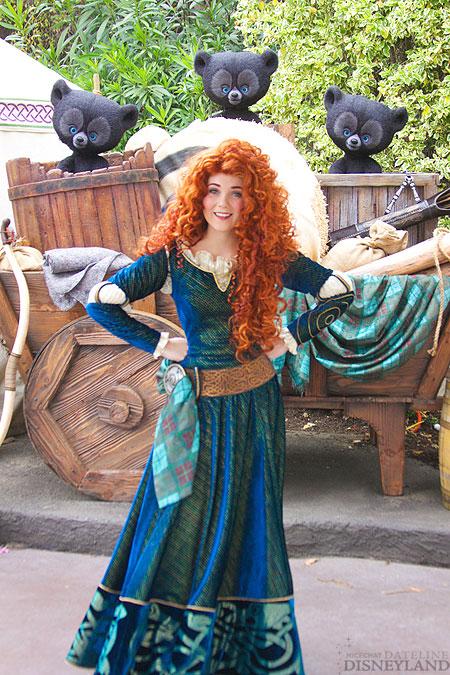 Merida, la nouvelle héroïne Pixar débarque dans les parcs Disney ! - Page 2 6217IMG_0091