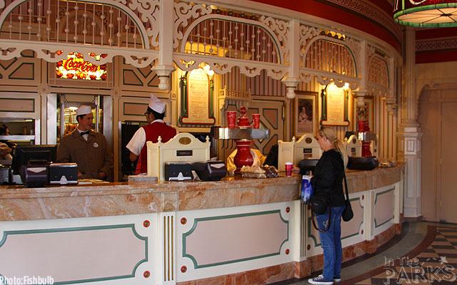 [Disneyland Park] Main Street, U.S.A.: remaniement des points de restauration (2012) et agrandissement (2015) 7428IMG_0336