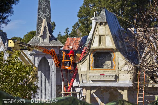 [Disneyland Park] Nouveautés à Fantasyland: Fantasy Faire (12 mars 2013) et Mickey and the Magical Map (25 mai 2013) - Page 3 01-14-13-IMG_1611