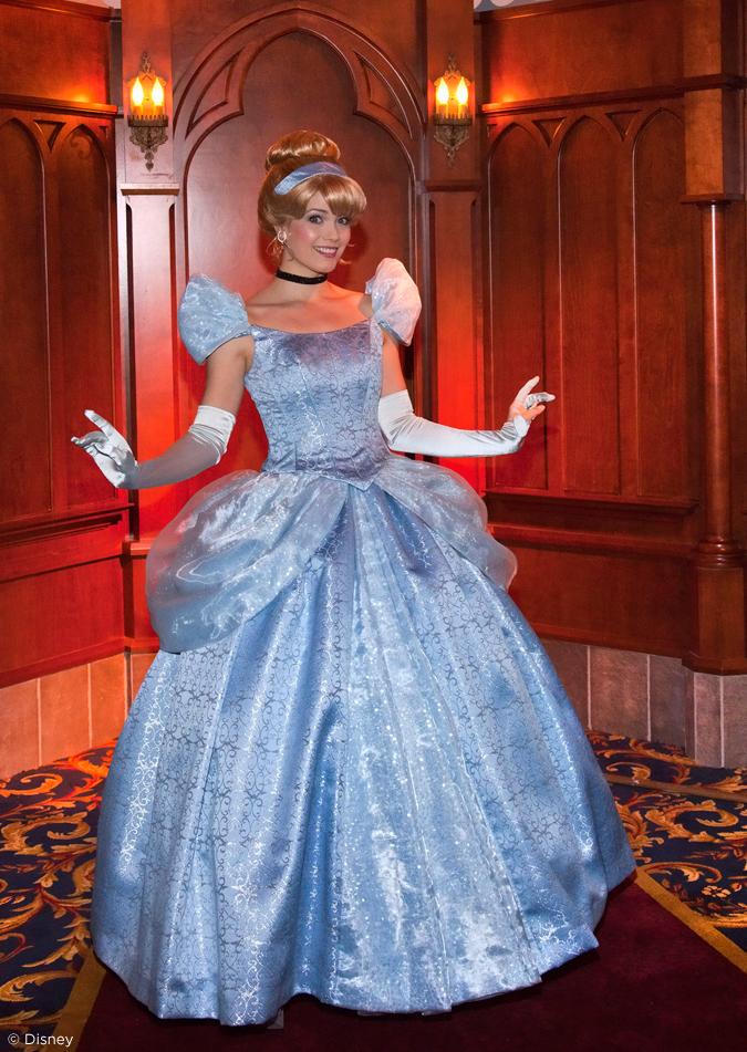 [Disneyland Park] Nouveautés à Fantasyland: Fantasy Faire (12 mars 2013) et Mickey and the Magical Map (25 mai 2013) - Page 3 02-04-13-1_13_DL_005288.