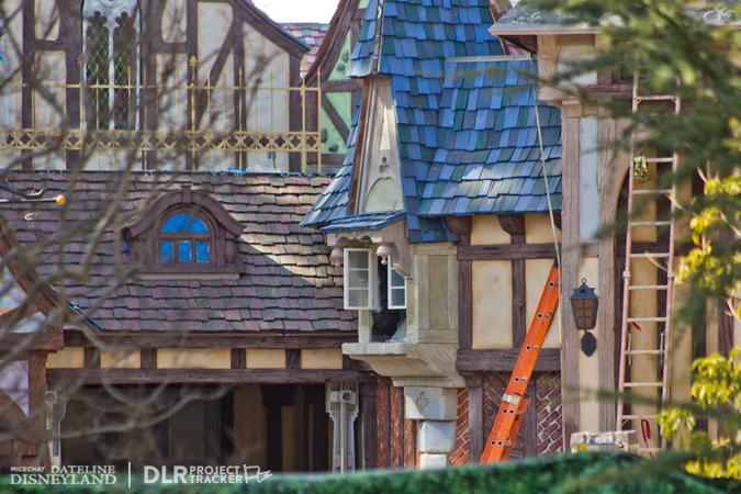 [Disneyland Park] Nouveautés à Fantasyland: Fantasy Faire (12 mars 2013) et Mickey and the Magical Map (25 mai 2013) - Page 3 02-04-13-IMG_6762