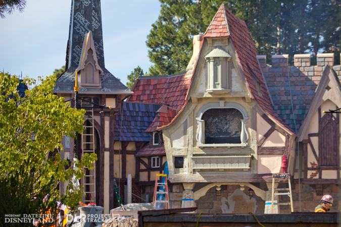 [Disneyland Park] Nouveautés à Fantasyland: Fantasy Faire (12 mars 2013) et Mickey and the Magical Map (25 mai 2013) - Page 3 02-04-13-IMG_6822