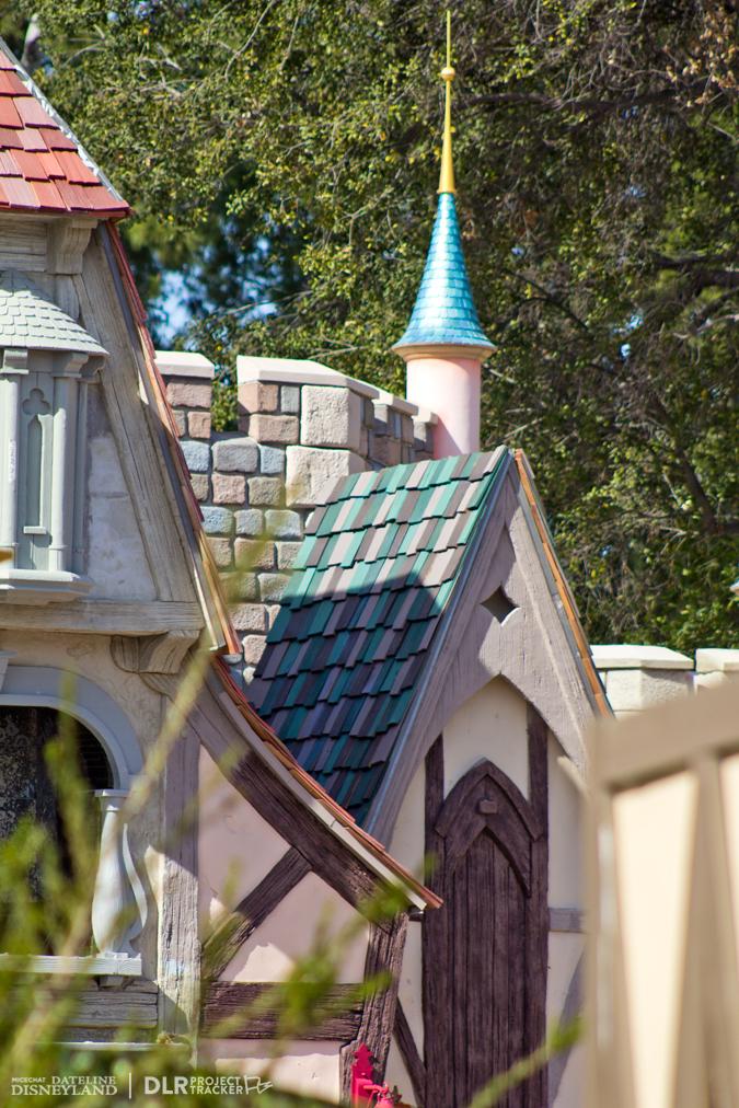 [Disneyland Park] Nouveautés à Fantasyland: Fantasy Faire (12 mars 2013) et Mickey and the Magical Map (25 mai 2013) - Page 3 02-04-13-IMG_6926