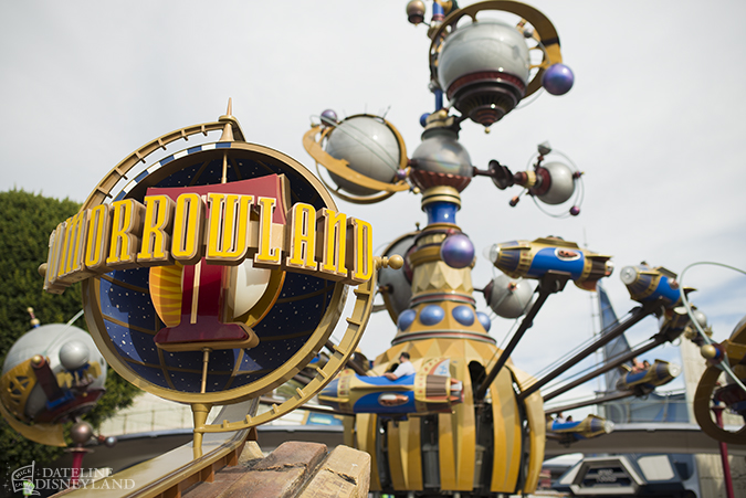 [Disneyland Park] Le futur de Tomorrowland (dont Season of the Force)  - Page 7 02-24-14-DSC_6358