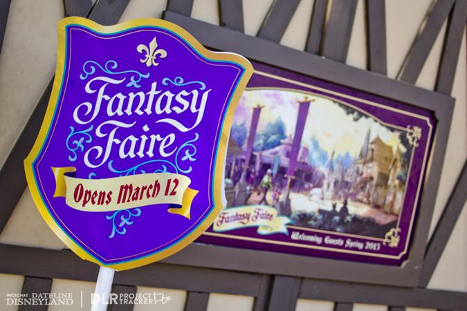 [Disneyland Park] Nouveautés à Fantasyland: Fantasy Faire (12 mars 2013) et Mickey and the Magical Map (25 mai 2013) - Page 3 03-04-13-IMG_2710
