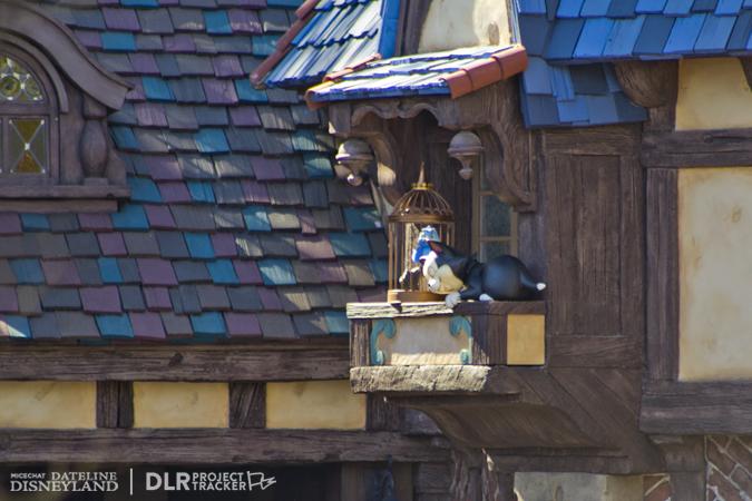 [Disneyland Park] Nouveautés à Fantasyland: Fantasy Faire (12 mars 2013) et Mickey and the Magical Map (25 mai 2013) - Page 3 03-04-13-IMG_2768