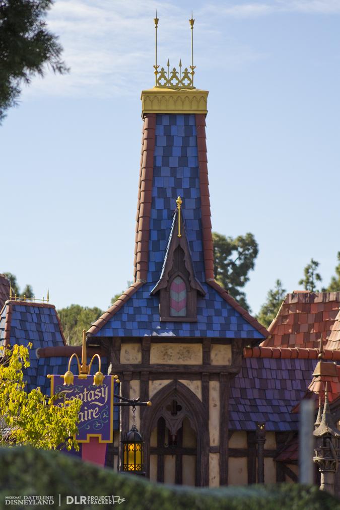 [Disneyland Park] Nouveautés à Fantasyland: Fantasy Faire (12 mars 2013) et Mickey and the Magical Map (25 mai 2013) - Page 3 03-04-13-IMG_2819
