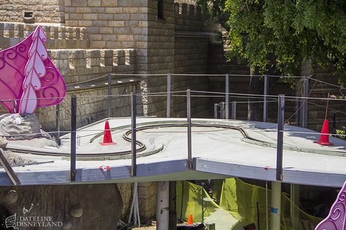 [Disneyland Park] Alice in Wonderland fermée pour mise en conformité (16 juillet au 13 août 2010 et de mi-mars au 04 juillet 2014)  - Page 2 06-09-14-IMG_6862