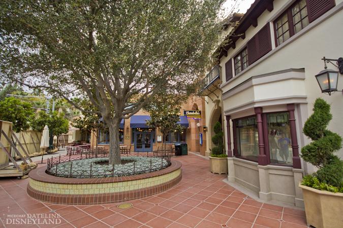[Disney California Adventure] Placemaking: Pixar Pier, Buena Vista Street, Hollywood Land, Condor Flats - Page 17 06-11-12-IMG_2644