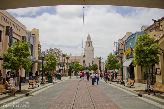 [Disney California Adventure] Placemaking: Pixar Pier, Buena Vista Street, Hollywood Land, Condor Flats - Page 17 06-11-12-IMG_4761
