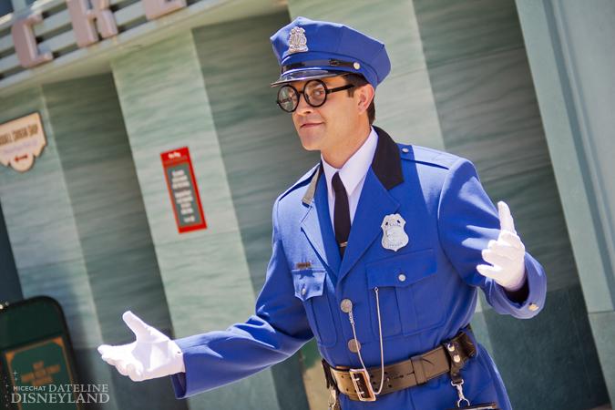 [Disney California Adventure] Placemaking: Pixar Pier, Buena Vista Street, Hollywood Land, Condor Flats - Page 17 06-11-12-IMG_5161