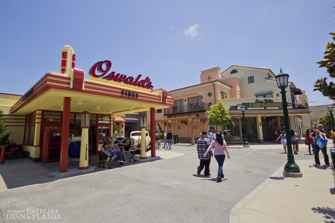 [Disney California Adventure] Placemaking: Pixar Pier, Buena Vista Street, Hollywood Land, Condor Flats - Page 17 06-11-12-IMG_5200