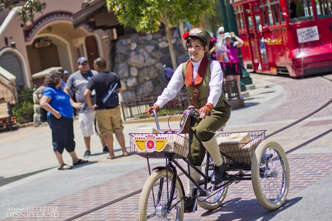 [Disney California Adventure] Placemaking: Pixar Pier, Buena Vista Street, Hollywood Land, Condor Flats - Page 17 06-11-12-IMG_5258