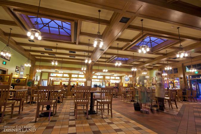 Starbucks Coffee arrive dans tous les parcs Disney américains à partir de juin 2012 06-11-12-IMG_5863