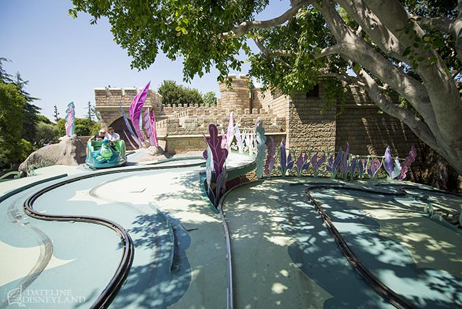 [Disneyland Park] Alice in Wonderland fermée pour mise en conformité (16 juillet au 13 août 2010 et de mi-mars au 04 juillet 2014)  - Page 3 07-07-14-DSC_7778