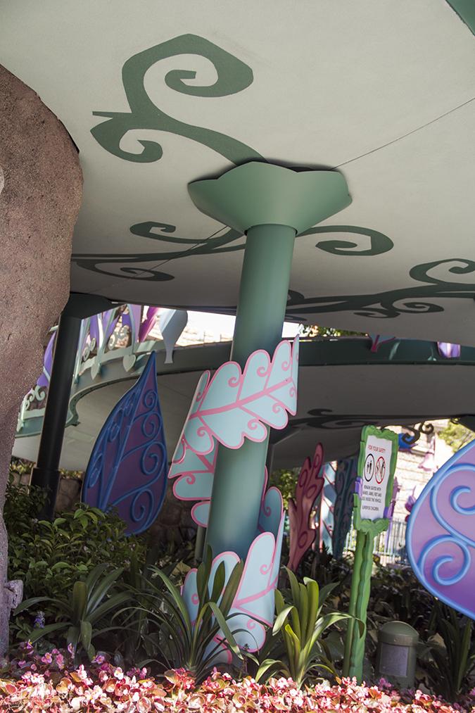 [Disneyland Park] Alice in Wonderland fermée pour mise en conformité (16 juillet au 13 août 2010 et de mi-mars au 04 juillet 2014)  - Page 3 07-07-14-IMG_0370