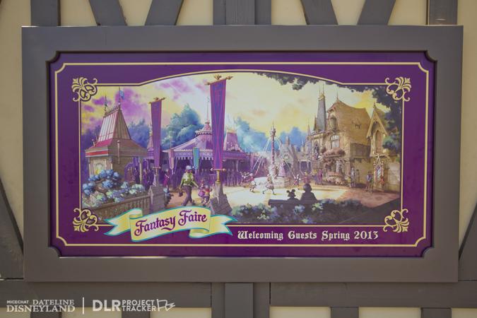 [Disneyland Park] Nouveautés à Fantasyland: Fantasy Faire (12 mars 2013) et Mickey and the Magical Map (25 mai 2013) - Page 3 08-27-12-IMG_4137