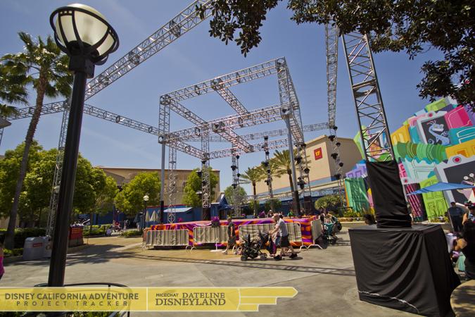 [Disney California Adventure] Mad T Party (officiellement à partir du 15 juin 2012 mais dès les 25 mai 2012) 1316IMG_8705