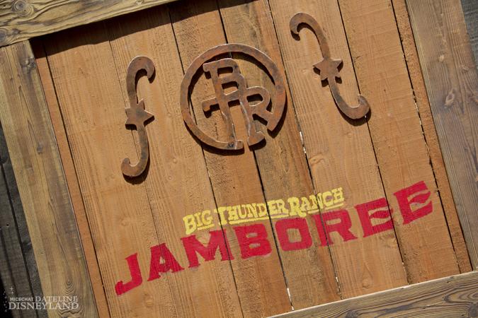 [Disneyland Park] Big Thunder Ranch Jamboree (dès le 3 mai 2012) 4184IMG_2762
