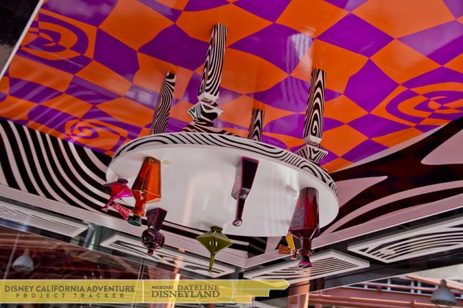 [Disney California Adventure] Mad T Party (officiellement à partir du 15 juin 2012 mais dès les 25 mai 2012) 4936IMG_0578