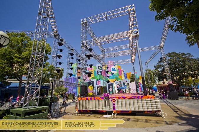 [Disney California Adventure] Mad T Party (officiellement à partir du 15 juin 2012 mais dès les 25 mai 2012) 5422IMG_8694