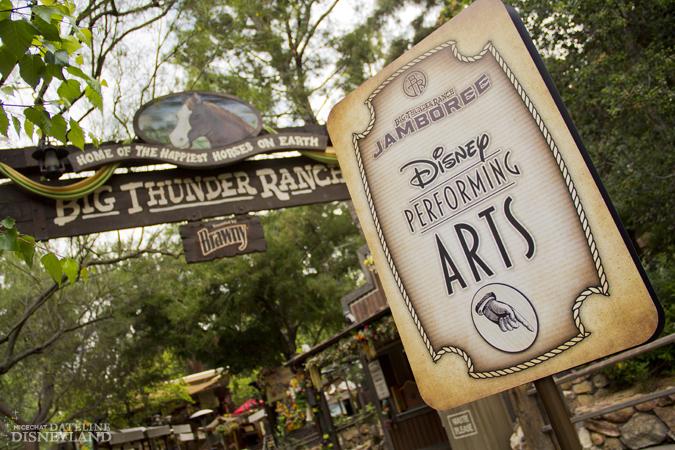 [Disneyland Park] Big Thunder Ranch Jamboree (dès le 3 mai 2012) IMG_1736
