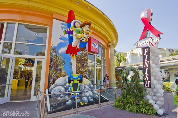 [Walt Disney World et Disneyland Resorts] Ouverture des nouveaux Lego Imagination Centers (2011 et 2012) IMG_1911