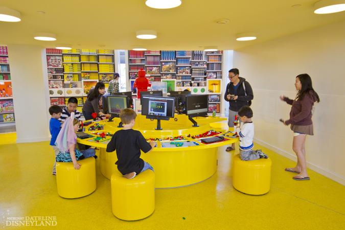 [Walt Disney World et Disneyland Resorts] Ouverture des nouveaux Lego Imagination Centers (2011 et 2012) IMG_1954