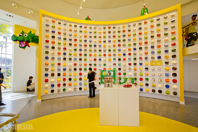 [Walt Disney World et Disneyland Resorts] Ouverture des nouveaux Lego Imagination Centers (2011 et 2012) IMG_1964