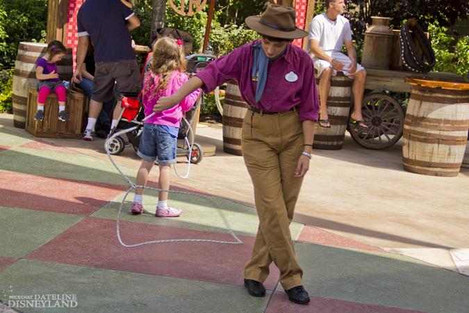 [Disneyland Park] Big Thunder Ranch Jamboree (dès le 3 mai 2012) IMG_2136