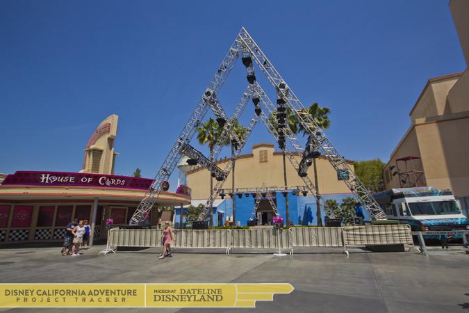 [Disney California Adventure] Mad T Party (officiellement à partir du 15 juin 2012 mais dès les 25 mai 2012) IMG_8767