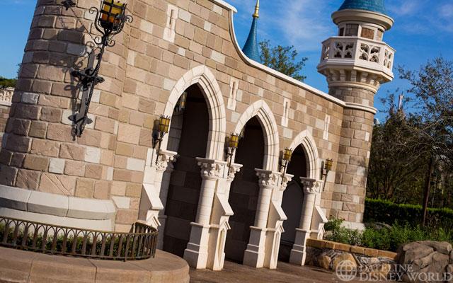 """[Magic Kingdom] New Fantasyland - Castle Courtyard, le """"vieux"""" Fantasyland (2012) DatelineDisneyWorld1010-IMG_5430"""