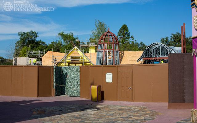 """[Magic Kingdom] New Fantasyland - Castle Courtyard, le """"vieux"""" Fantasyland (2012) DatelineDisneyWorld1010-IMG_5450"""
