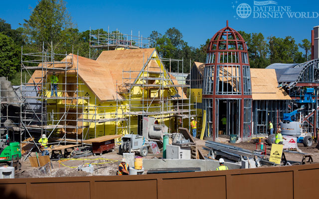 """[Magic Kingdom] New Fantasyland - Castle Courtyard, le """"vieux"""" Fantasyland (2012) DatelineDisneyWorld1010-IMG_5499"""