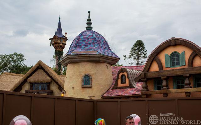 """[Magic Kingdom] New Fantasyland - Castle Courtyard, le """"vieux"""" Fantasyland (2012) DatelineDisneyWorld2062013-IMG_9959"""