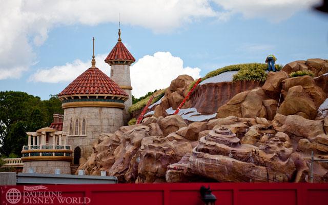 [Magic Kingdom] New Fantasyland - The Forest: Beauty and the Beast, The Little Mermaid (06 décembre 2012), 7 Dwarfs Mine Train (28 mai 2014) - Page 4 DatelineDisneyWorld815-IMG_1132
