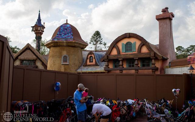 """[Magic Kingdom] New Fantasyland - Castle Courtyard, le """"vieux"""" Fantasyland (2012) DatelineDisneyWorldJanuary92013-IMG_9161"""