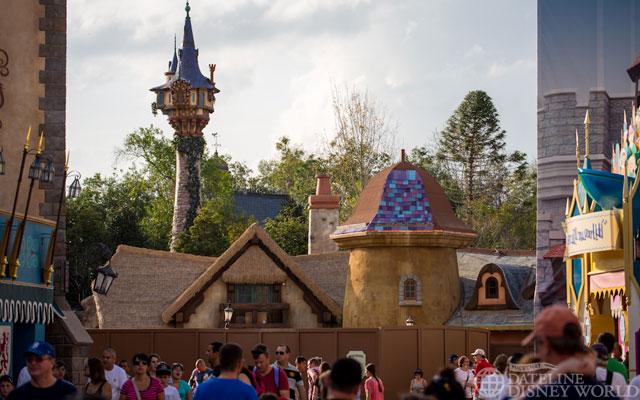 """[Magic Kingdom] New Fantasyland - Castle Courtyard, le """"vieux"""" Fantasyland (2012) DatelineDisneyWorldJanuary92013-IMG_9165"""