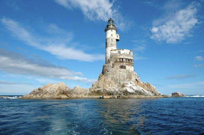 Najlepši svetionici sveta Aniva-lighthouse-russian-nuclear-abandoned5
