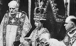 Exposition « Trônes en majesté, l'autorité et son symbole » - Page 2 Coronation_Elizabeth300